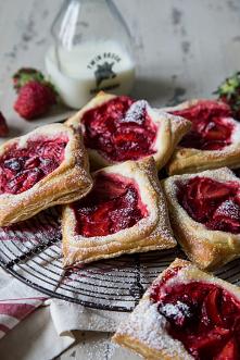 Fresh strawberry and cream ...