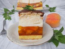 pyszne ciasto z brzoskwiniami