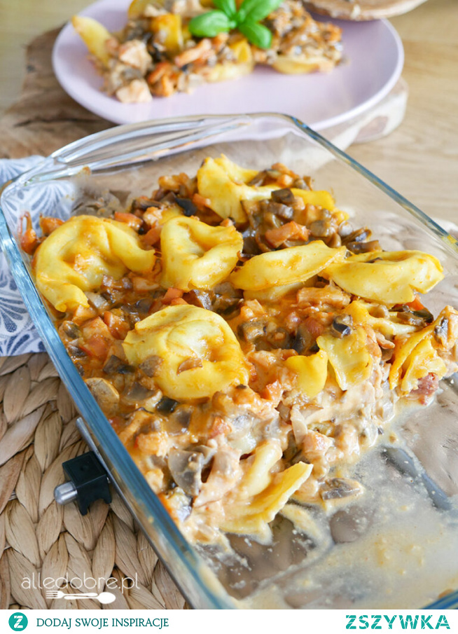 Zapiekanka obiadowa z tortellini i pieczarkami