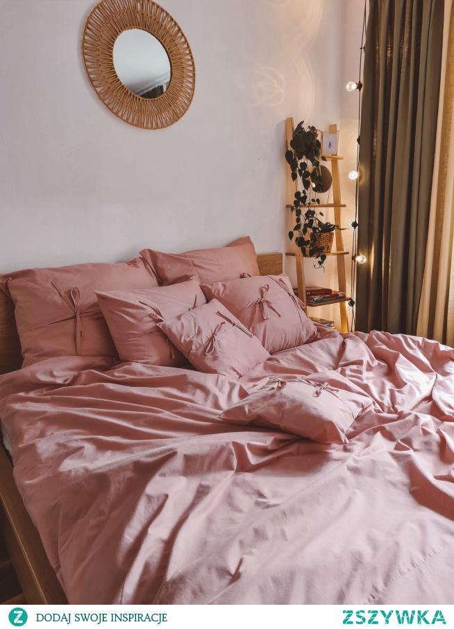 Bawełniana pościel z troczkami SŁODKIE SNY (kolor brudny róż). To nowość w Nasze Domowe Pielesze -->> zajrzyj do nas po piękne dekoracje do domu