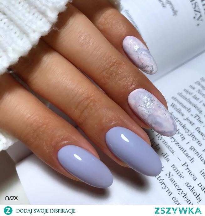 3816 Lawendowe Korale, czyli lawendowy lakier hybrydowy to idealny wybór dla kobiet lubiących delikatne, niezobowiązujące barwy! Jak Wam się podoba w takiej odsłonie?