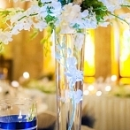 Okładka kwiaty na stołach