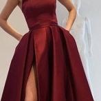 Okładka DRESSES